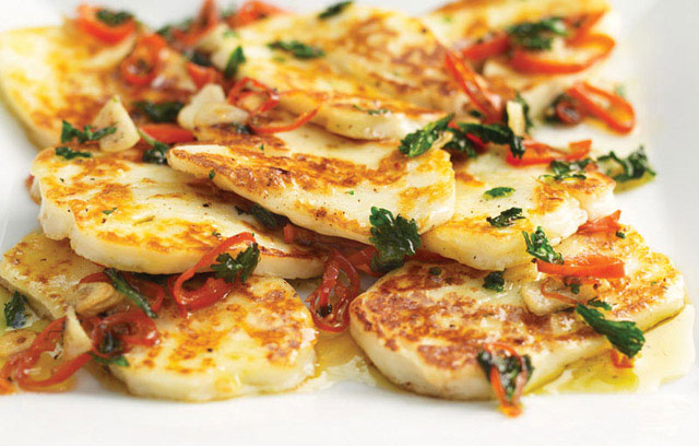 halloumi with garlic chilli and coriander the big cheese making kit. Black Bedroom Furniture Sets. Home Design Ideas